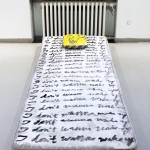 Jaakko Tuomainen: I don't want to wake up - Saarikoskelle (skull by Joona Pakkanen), 2013, akryyli ja öljy patjalle ja tyynylle